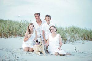 Lee Baucom with family